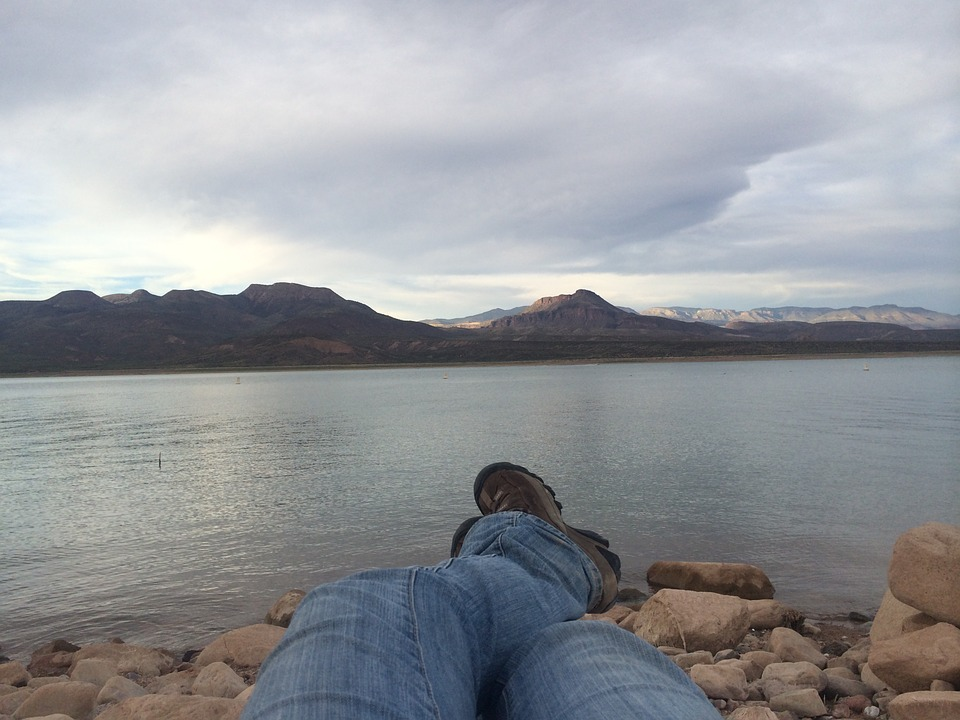 this picture shows the roosevelt lake