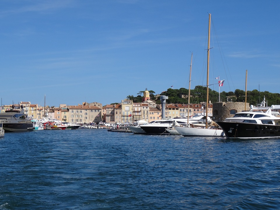 this image shows port de saint tropez